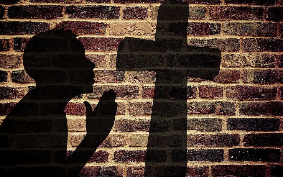pray-1359100_960_720